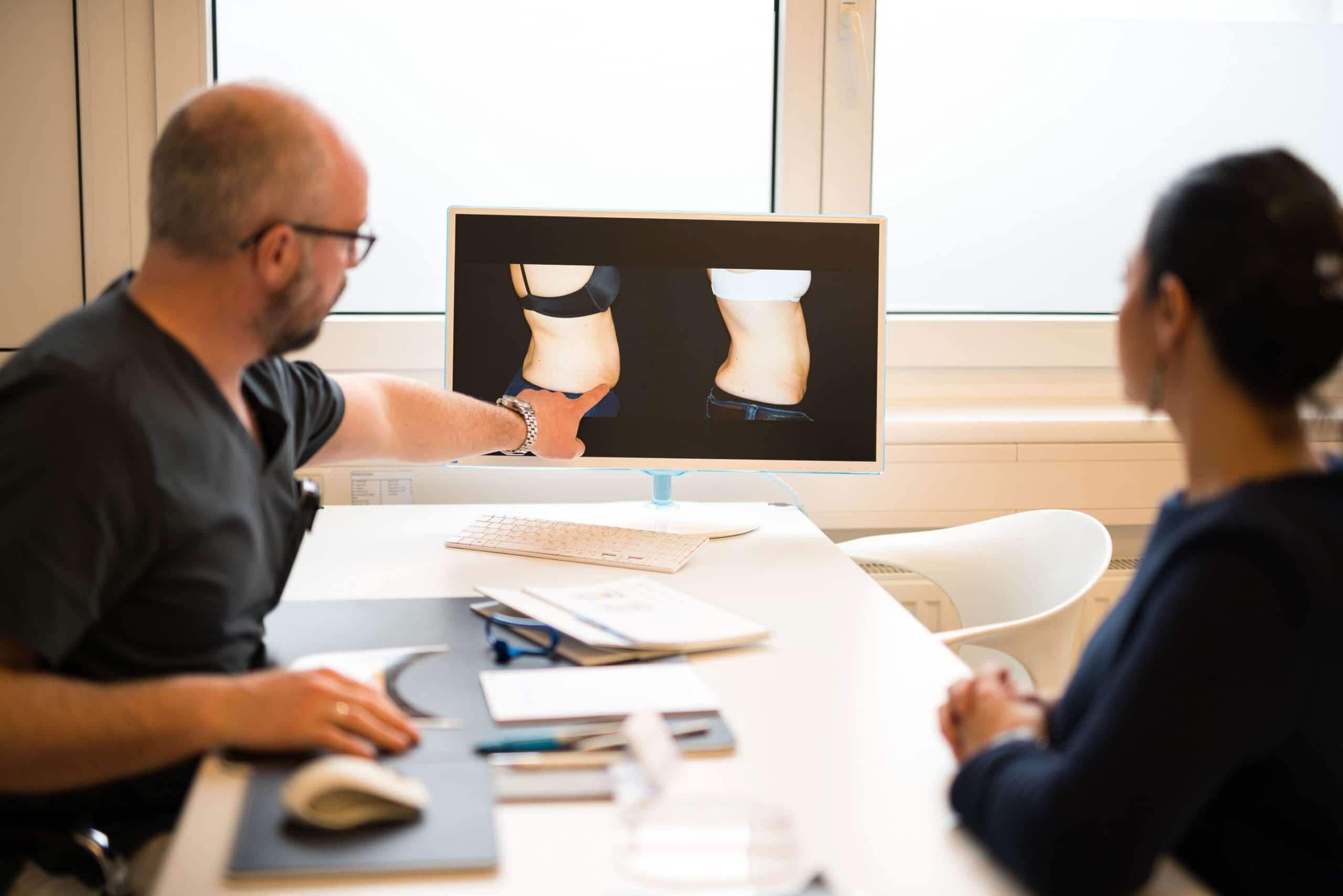 1. Am Beginn jedes ärztlichen Beratungsgespräches steht immer die exakte Patientenanamnese, eine detaillierte Erklärung der Behandlungsoptionen, die Erläuterungen der Technologie und Technik sowie eine ausführliche Demonstration möglicher Behandlungsergebnisse.